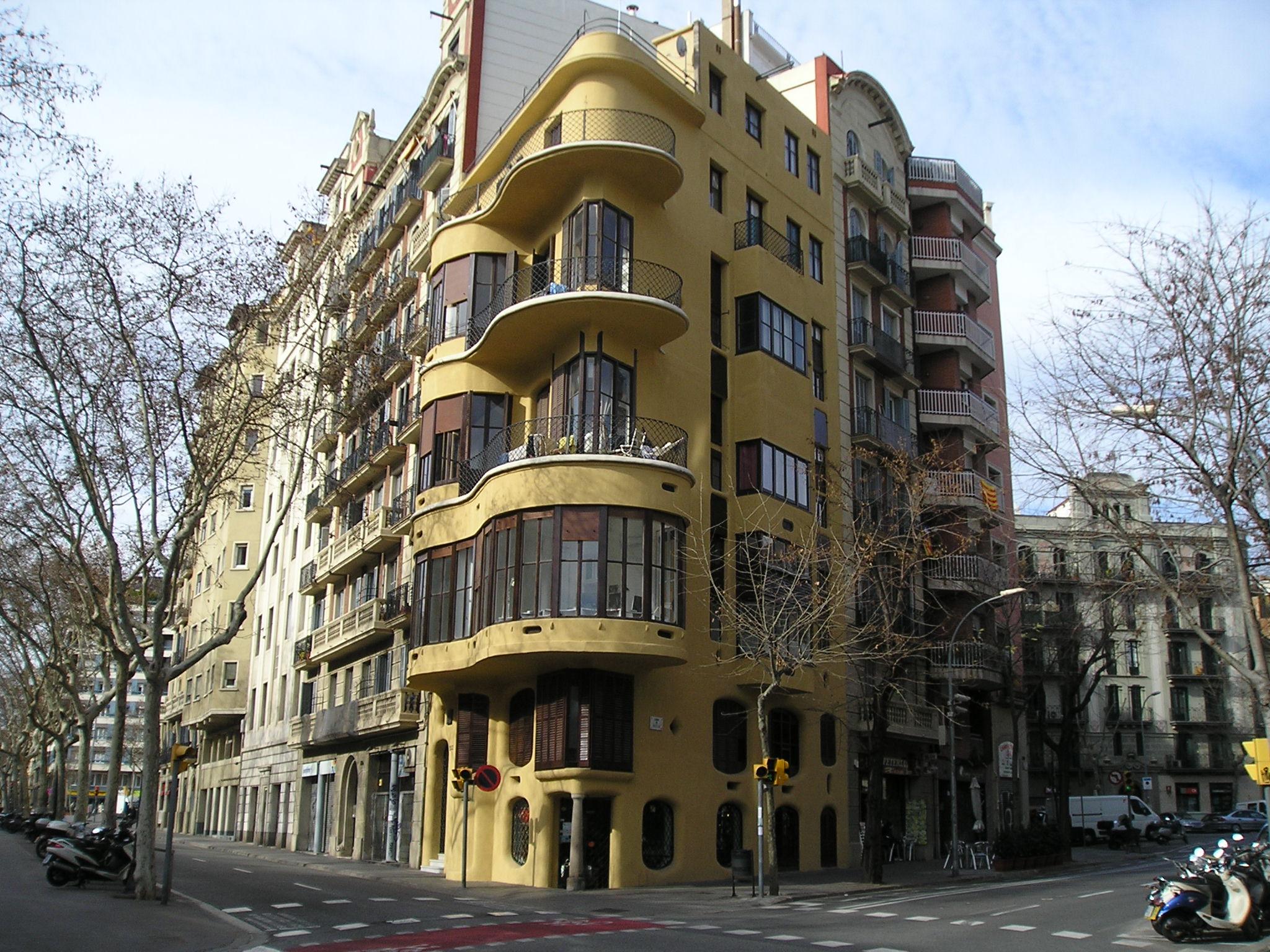 Jujol de natural curi s - Natura casa barcelona ...